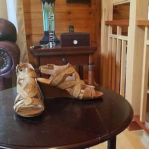 GREAT SANDALS! Worn once!
